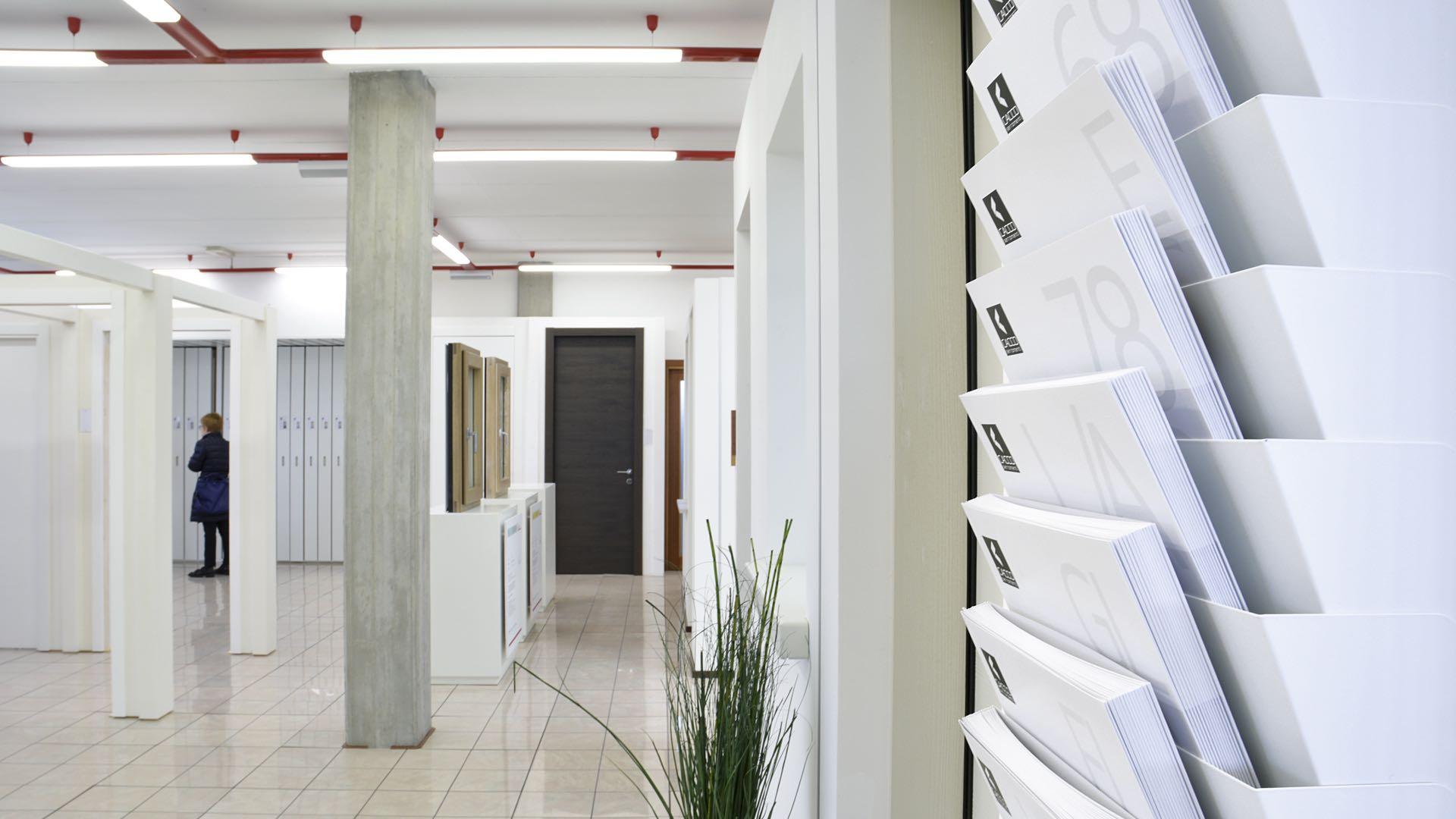 Showroom serramenti, finestre, porte interne e blindate